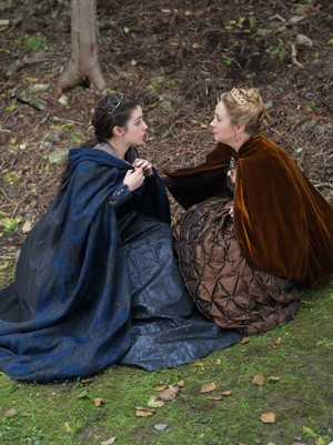 """Reign """"Three Queens"""" (2x06) promotional picture"""