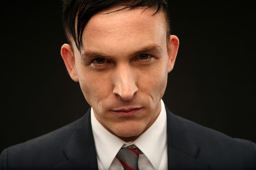 Robin Lord Taylor দেওয়ালপত্র containing a business suit and a suit titled Robin Lord Taylor ~ 2014 শিয়াল Summer TCA Tour Portrait