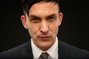 Robin Lord Taylor ~ 2014 لومڑی Summer TCA Tour Portrait