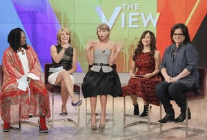 Taylor On The View 2014