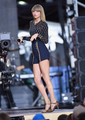 Taylor rápido, swift on GMA 2014 - Performance