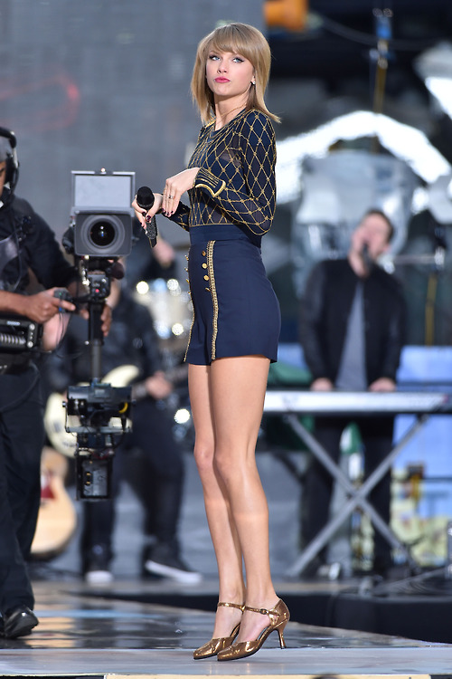 Taylor Swift images Taylor Swift on GMA 2014 - Performance HD wallpaper and background photos ...