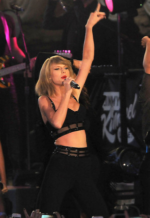 Taylor performing on Jimmy Kimmel !