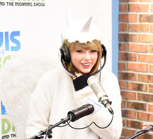 The Elvis Duran Z100 Morning toon 2014 ♥
