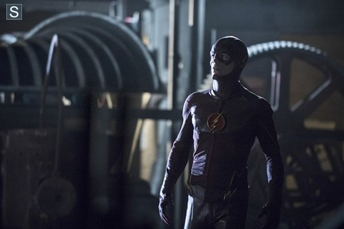 The Flash (CW) वॉलपेपर with a सड़क, स्ट्रीट titled The Flash - Episode 1.06 - The Flash Is Born - Promo Pics