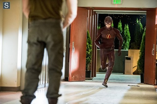 The Flash (CW) wallpaper possibly containing a pantleg, a well dressed person, and long trousers titled The Flash - Episode 1.06 - The Flash Is Born - Promo Pics