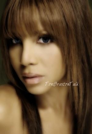 Toni Braxton is soo beautiful