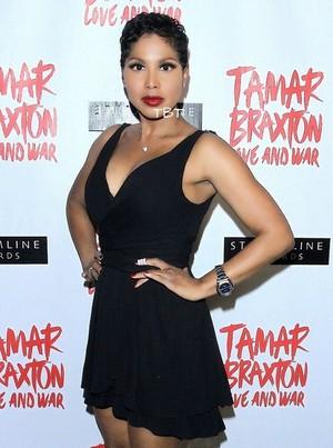 Toni Braxton what short hair