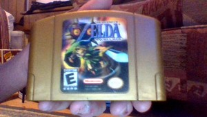 Windwakerguy430's Golden patroon, cartridge of Legend of Zelda: Majora's Mask w/ Holographic Sticker