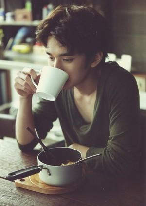Yoo Seung Ho. 2013