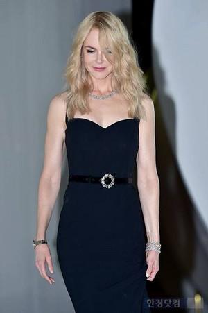 Nicole Kidman - Omega schmetterling