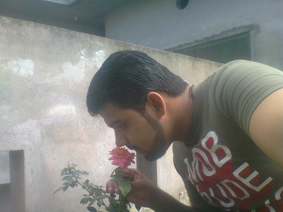 waqqas ahmed this my pic