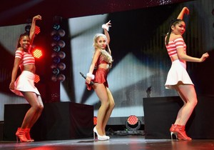Ariana Grande performing on baciare FM'S Jingle Ball in Los Angeles