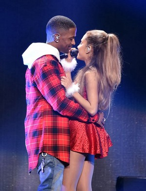 Ariana Grande performing on 吻乐队(Kiss) FM'S Jingle Ball in Los Angeles