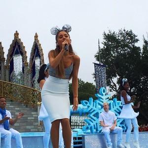 Ariana rehearsing at Disney Parks Christmas Parade