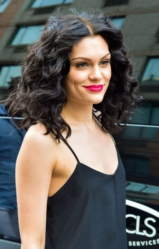 Jessie J wallpaper probably containing a portrait called ღ Jessie J