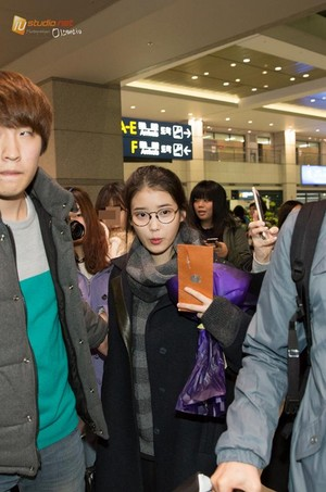 141204 IU Arriving in Seoul after the 2014 MAMA