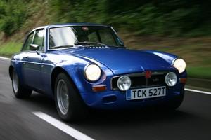 1970 MG BT V8