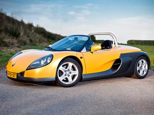 1990 Renault Sport spin