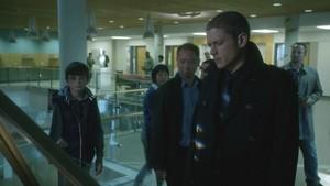 1x04 - Going Rogue