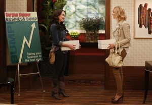 "2 Broke Girls ""And The Brand Job"" (4x05) promotional picture"