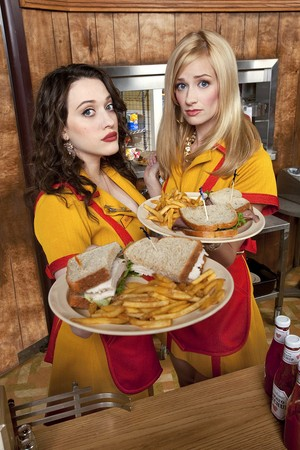 2 Broke Girls promotional picture