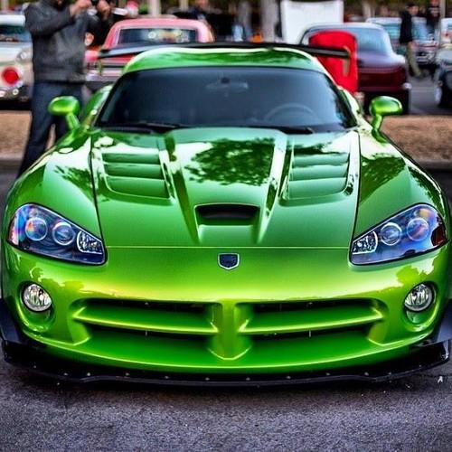 voitures de sport fond d'écran possibly with a sports car and a roadster called 2010 Dodge vipère, viper