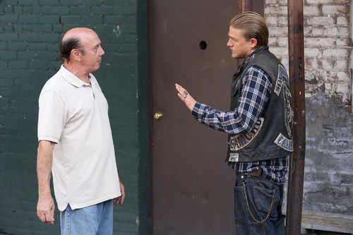 Sons Of Anarchy wallpaper with a sign entitled 7x12 - Red Rose - Unser and Jax