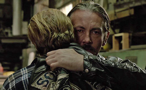Sons Of Anarchy wallpaper containing a green beret, battle dress, and fatigues titled 7x13 - Papa's Goods - Jax and Chibs