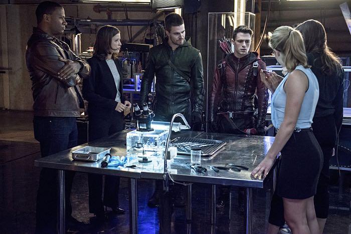 Arrow season 3 episode 8 photos the brave and the bold arrow photo