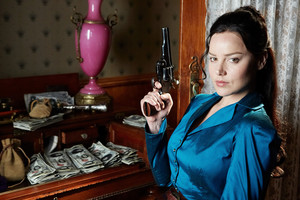 Abbie Cornish as Belinda Mulrooney