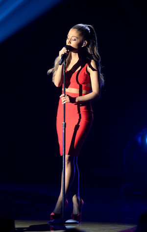Ariana Grande performing at the Very Grammy Natale in Los Angeles
