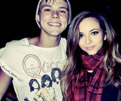 Aww Jade and Ashton so cute