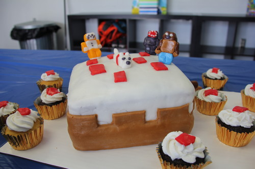 Stampylongnose Hintergrund containing a cupcake and a frosted layer cake entitled Camerons 9th Birthday Minecrat Cake Birthday Cake