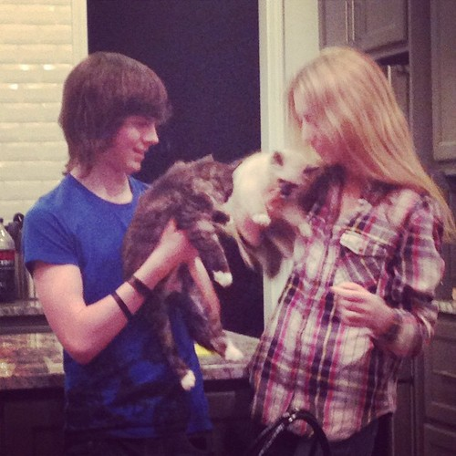 Chandler Riggs Hintergrund probably with an opossum titled Chandler and Hana ♥