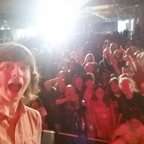 Chandler Riggs Hintergrund possibly with a konzert called Chandler's Kürzlich Instagram post ♥