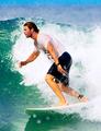 Chris Hemsworth surfing