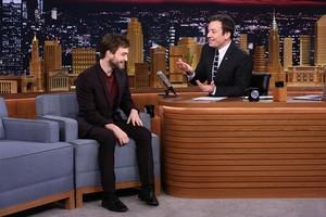 Daniel Radcliffe On The Tonight tampil Starring Jimmy Fallon (Fb.com/DanieljacobRadcliffeFanClub)