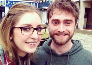 Daniel Radcliffe with zarra in 'Hornchurch (Fb.com/DanieljacobRadcliffefanClub)