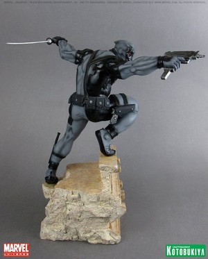 Deadpool / Wade Wilson X-Force Figurine