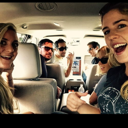 Emily Bett Rickards wallpaper titled Emily and friends in Oahu, Hawaii