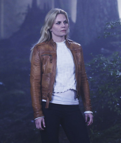 Emma cygne fond d'écran with a well dressed person and a business suit entitled Emma - 4x05