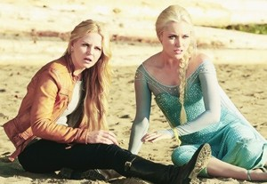 """Emma and Elsa in """"Fall"""""""