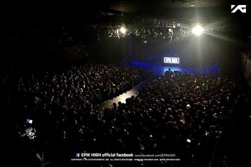 Epik High Обои with a концерт and a theater entitled Epik High фото from Последнее 'PARADE 2014' concerts