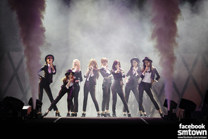 GIRLS' GENERATION 1st peminat PARTY 「Mr.Mr.」 in CHONGQING