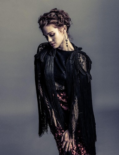 Holland Roden fond d'écran possibly containing a manteau titled Holland for the KODE magazine