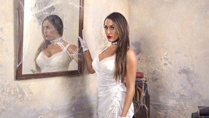 House of Haunted Divas - Nikki Bella