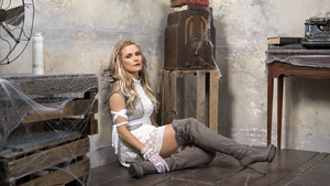House of Haunted Divas - Renee Young
