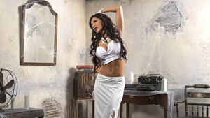 House of Haunted Divas - Rosa Mendes
