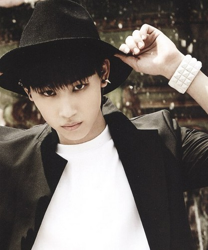 GOT7 দেওয়ালপত্র with a fedora, a snap brim hat, and a campaign hat entitled JB hottie❤